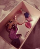 .box of memories. by taintedxblissx