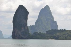 Phang-Nga Bay Colossus by MayEbony
