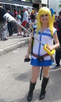 Lucy Fairy Tail Cosplay con llave Kindom Hearts by Moskita