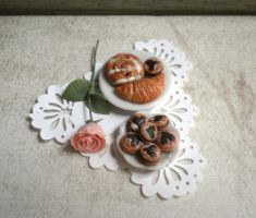 Some more mini baked goodies by vesssper