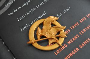 Mockingjay Pin I (Polymer Clay) by eserenitia