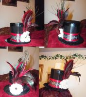 Red and Black Mini Tophat by LadyMidnight81