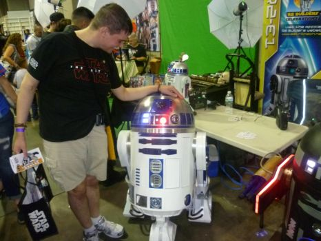Why, it IS R2-D2! by Andruril93