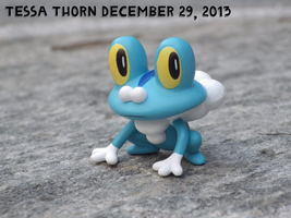 Froakie on Stone by Tespeon