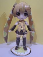 Summer Miku papercraft by daigospencer