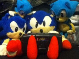 Sonic plushies play Sonic on the Game Gear. by ClassicSonicSatAm