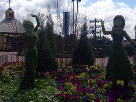 Floral Statues - Elsa and Anna by Michael-GoldenHeart
