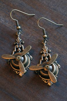 Steampunk Airship Pirate Propeller Earrings by CatherinetteRings