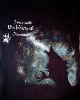 T-shirt... I run with the wolves of Jorrvaskr by Eleyas-Dawn