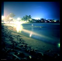 Hauula Beach by aaronmcmullen