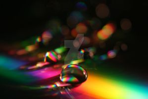 Rainbow - drop .. . . by light-from-Emirates