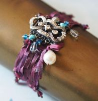 Baroness weaved silk bracelet by CrysallisCreations