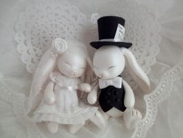 Wedding Rabbits by hiyogon
