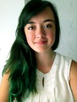 GUESS WHO DIED HER HAIR GREEN???? by JuliaJacobss