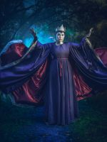 Evil Queen from Snow White by SaaraZ