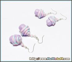 Cupcake earrings by Fluffntuff
