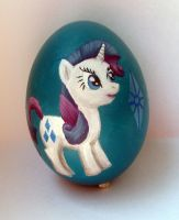 Rarity egg by DaOldHorse