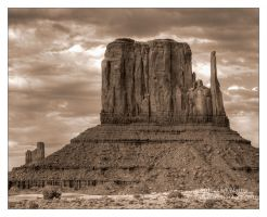 Monument Valley - Mitten by Karl-B