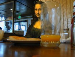 Monalisa and the orange juice by juliofantasma