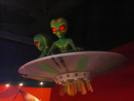 Flying Saucer Aliens by Neville6000