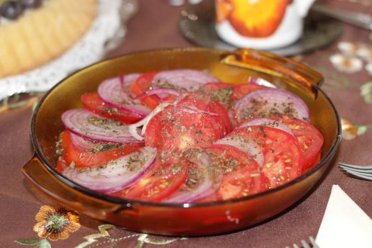 Tomato-onion salad by ralesk