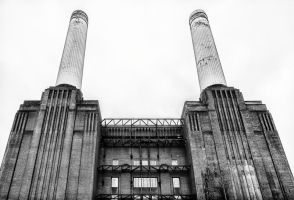 Battersea Power Station 1 by thegreatmisto