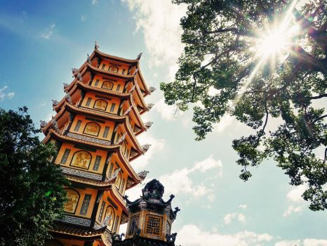 Hoi Khanh Pagoda by WillTC