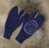 Water tribe mittens by MedeiaDesigns