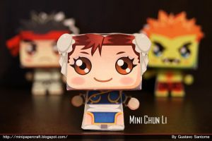 Mini Chun li Papercraft by Gus-Santome