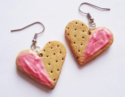Heart Cookie Earrings by FrozenNote