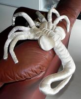 Facehugger by Mauvecloak