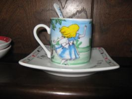 Alice Tiny tea cup by Izzy-Nightshade