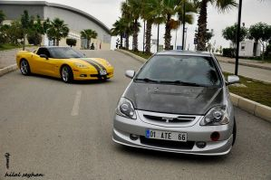 Corvette and Type-R by tymu