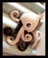 Big eyes Squid Plush 1 c by TheCurseofRainbow