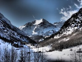 Dramatic Maroon Bells by Squiddgee7734
