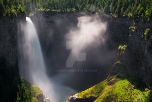 Helmcken Falls with mid-day sunshine by JohnyG