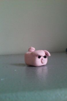 Clay piggy by Piglovearon