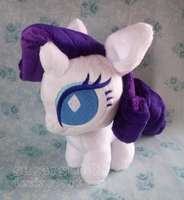 MLP FiM: Rarity Ponydoll by sugarstitch