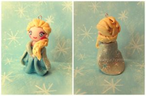 Chibi Charms: Elsa by Marielishere