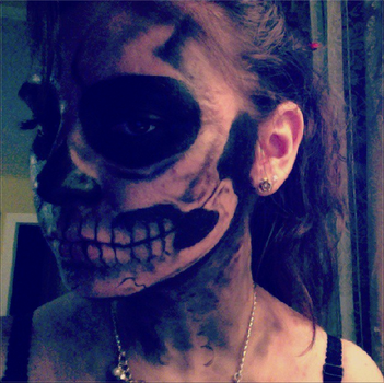Skull Makeup for Halloween by PromisedPrince