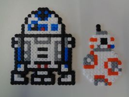 R2-D2 and BB-8: Hama Bead Design by Dogtorwho