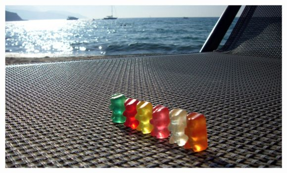 GummyBears On The SeaSide by OrMuNzEvsArImAn