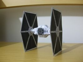 TIE Fighter - Star Wars - Papercraft by Gust-TRON