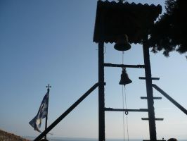 Bell with Greek flag by Vempje