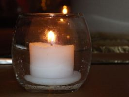 Candle Light by ItsOnlyInMyHead