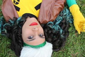 Rogue cosplay by LaurinhaxD