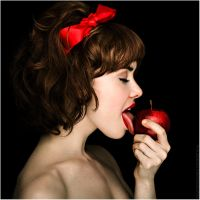 Snow White goes Red by walker1812