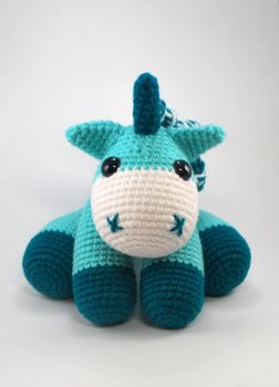Teal Unicorn by craftyhanako