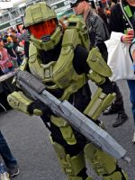 Halo Masterchief Cosplay at 2014 Sydney OzComicCon by rbompro1