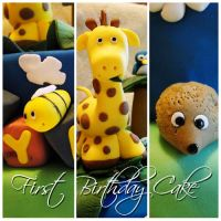 Commission: First Birthday Giraffe Cake by cakecrumbs